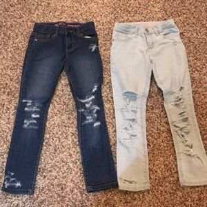 2 pairs of Destroyed girls jeans!